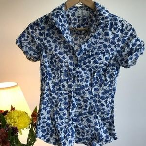 Patterned short sleeve button up sz 4